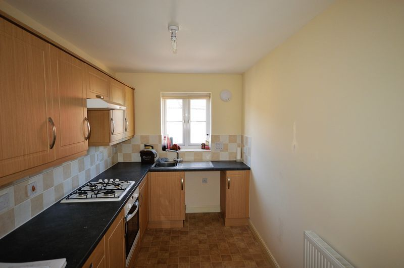 2 bed  to rent in Crewkerne  - Property Image 2