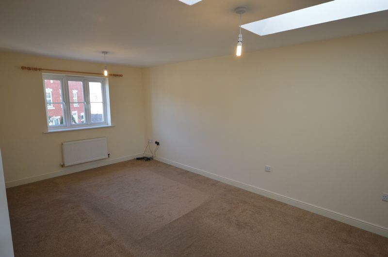 2 bed  to rent in Crewkerne  - Property Image 3