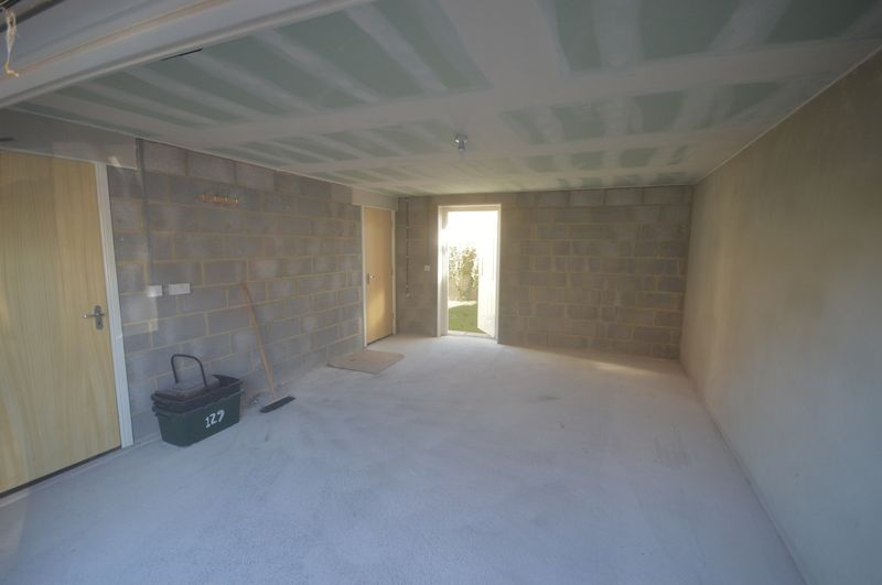 2 bed  to rent in Crewkerne  - Property Image 7