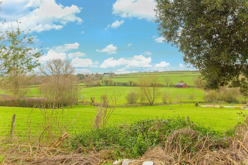 2 bed House for sale on Middle Chinnock - Property Image 1