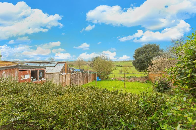 2 bed House for sale on Middle Chinnock - Property Image 7