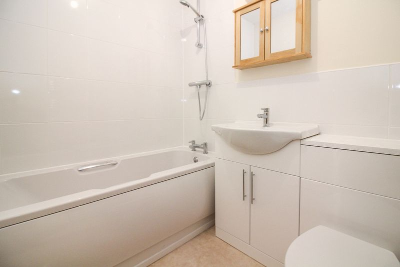 2 bed house for sale in Charter House Drive, Frome  - Property Image 2