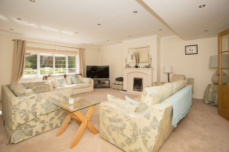 6 bed house for sale in Southwoods, Yeovil  - Property Image 2