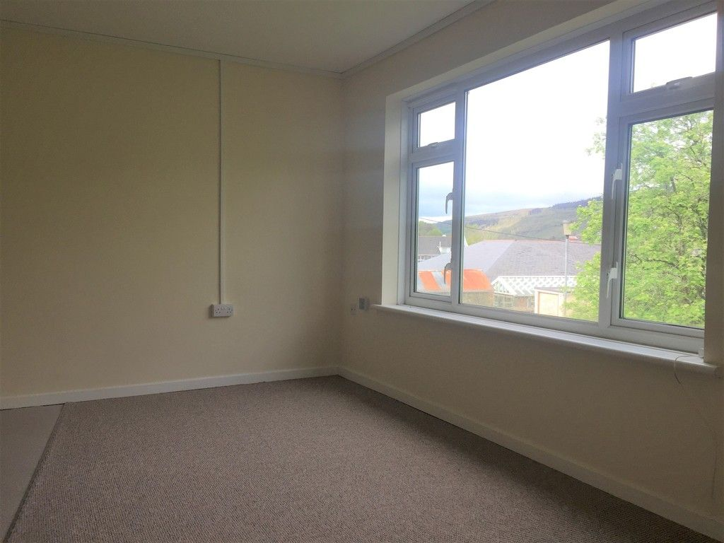 1 bed Flat to rent on Llys-yr-ynys, Resolven - (Property Image 4)
