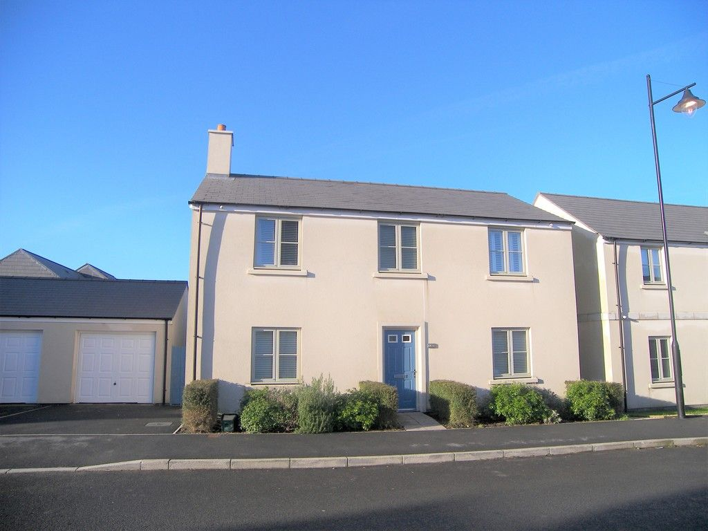 4 bed house for sale in Heathland Way, Llandarcy  - Property Image 1