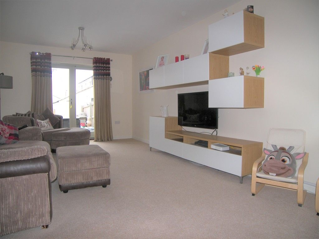 4 bed house for sale in Heathland Way, Llandarcy  - Property Image 3