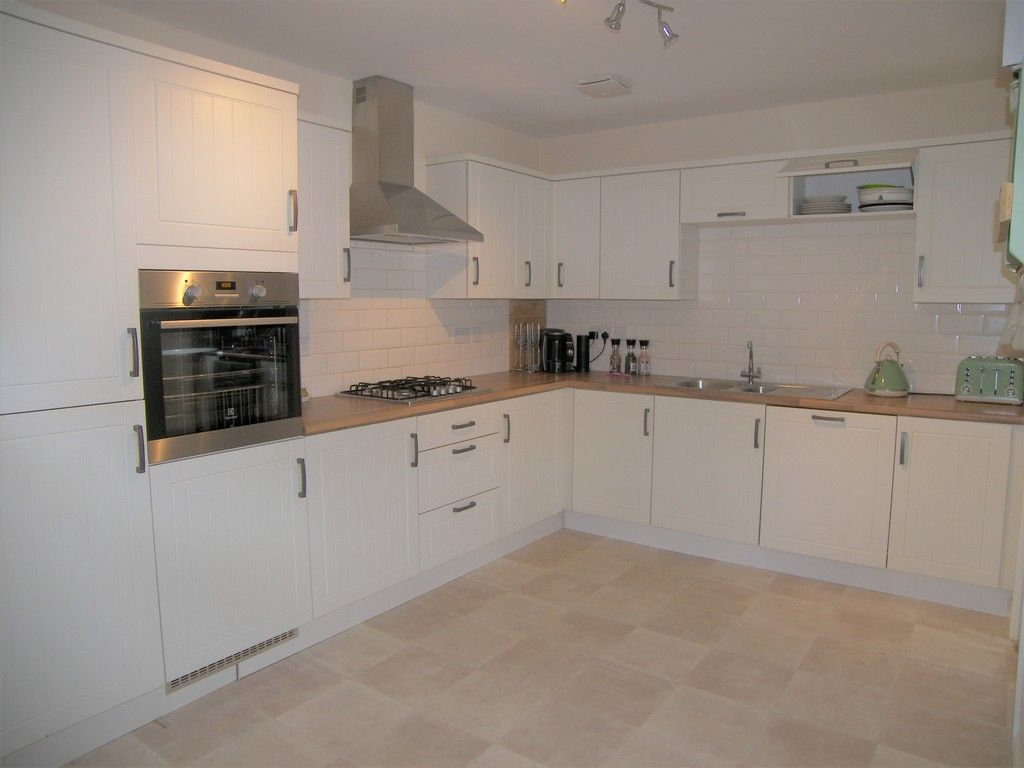 4 bed house for sale in Heathland Way, Llandarcy  - Property Image 4