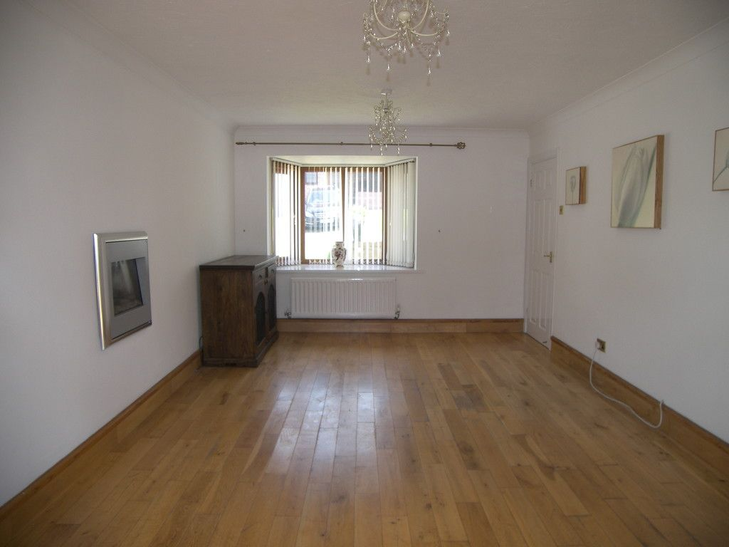 4 bed house for sale in Clos Caegwenith, Tonna, Neath  - Property Image 2