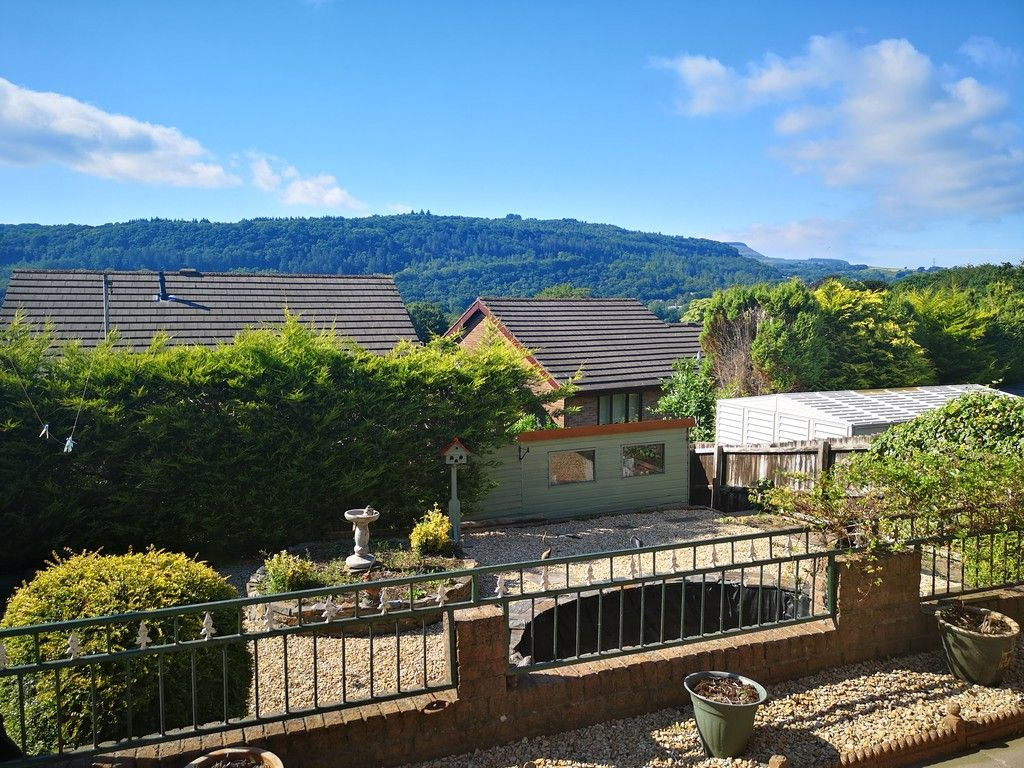 4 bed house for sale in Clos Caegwenith, Tonna, Neath 24