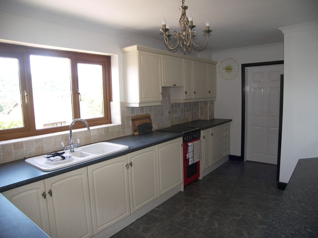 4 bed house for sale in Clos Caegwenith, Tonna, Neath  - Property Image 7