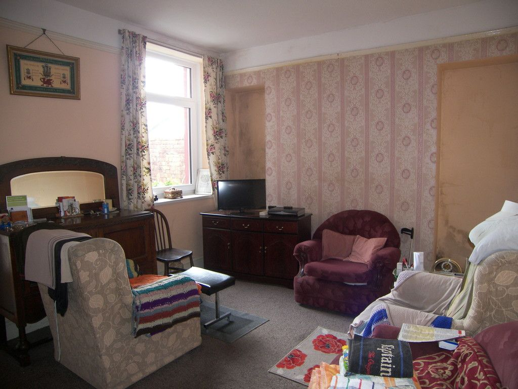 3 bed house for sale in Edward Street, Glynneath, Neath  - Property Image 2