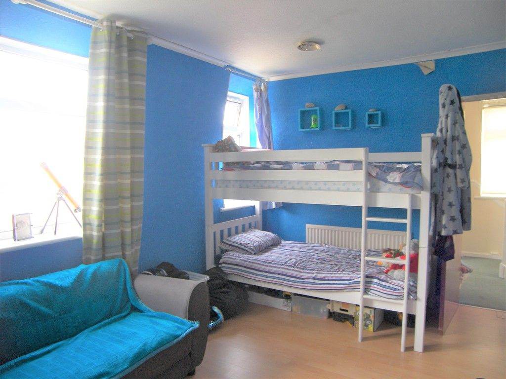 3 bed house for sale in Roman Way, Neath 11