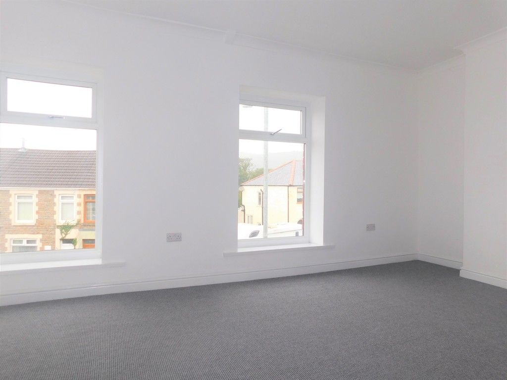 3 bed house for sale in Llantwit Road, Neath 12