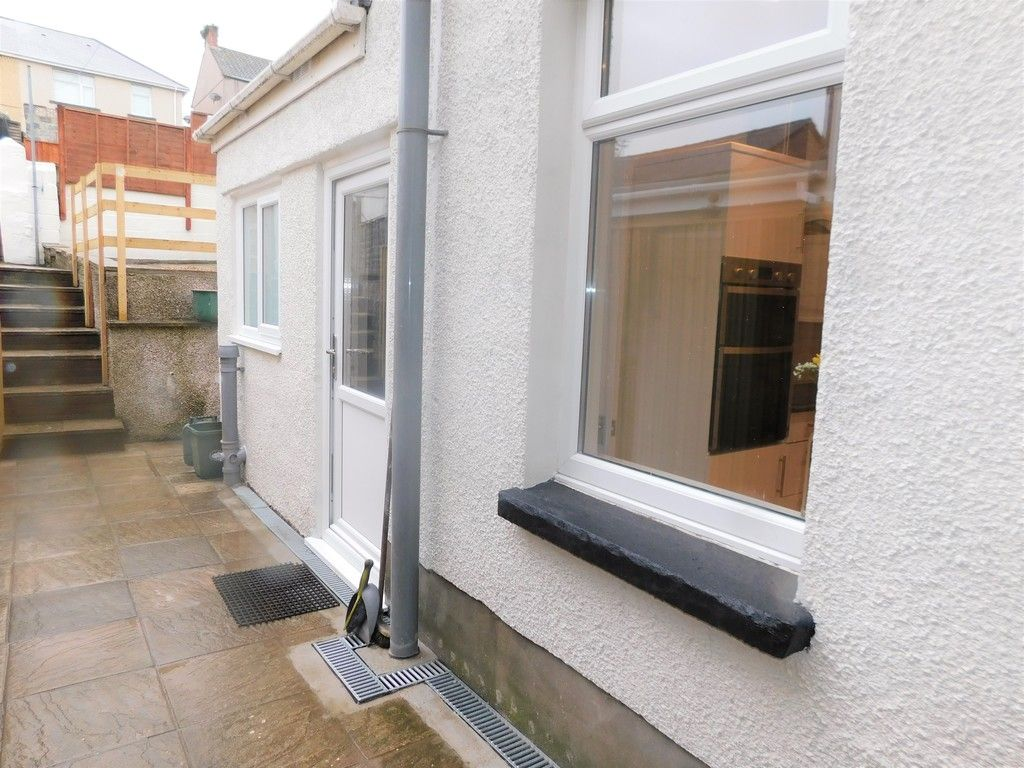 3 bed house for sale in Llantwit Road, Neath  - Property Image 18
