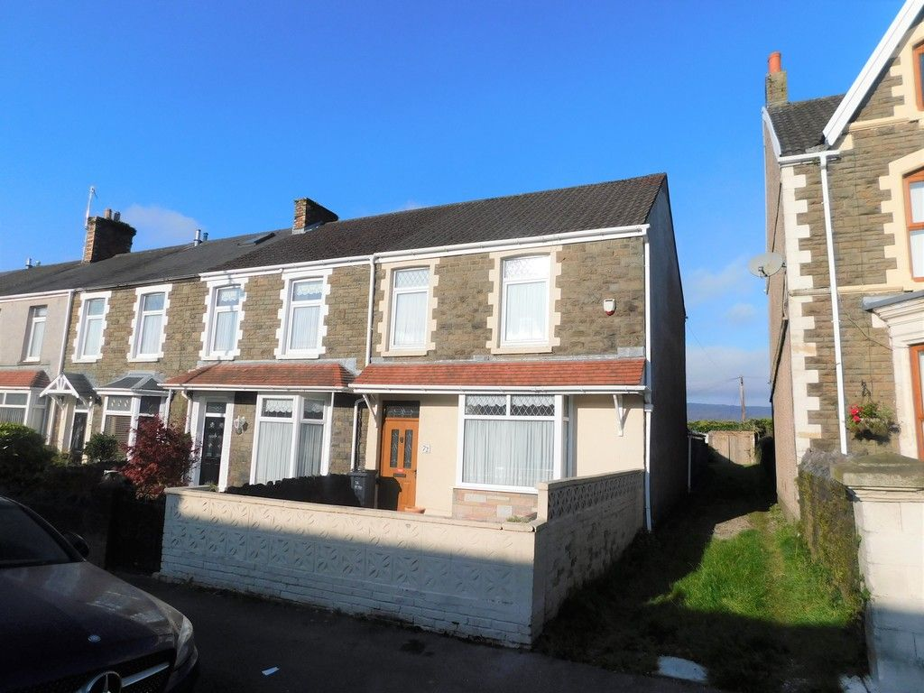 5 bed house for sale in Gnoll Park Road, Neath 1