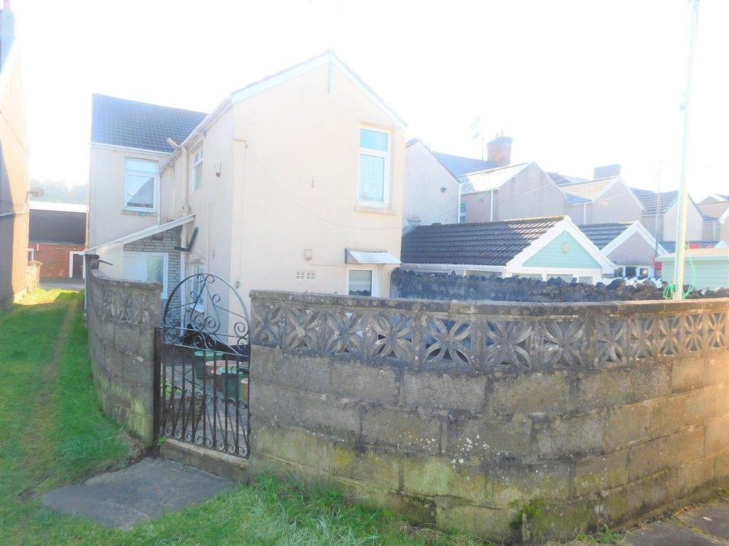5 bed house for sale in Gnoll Park Road, Neath 15