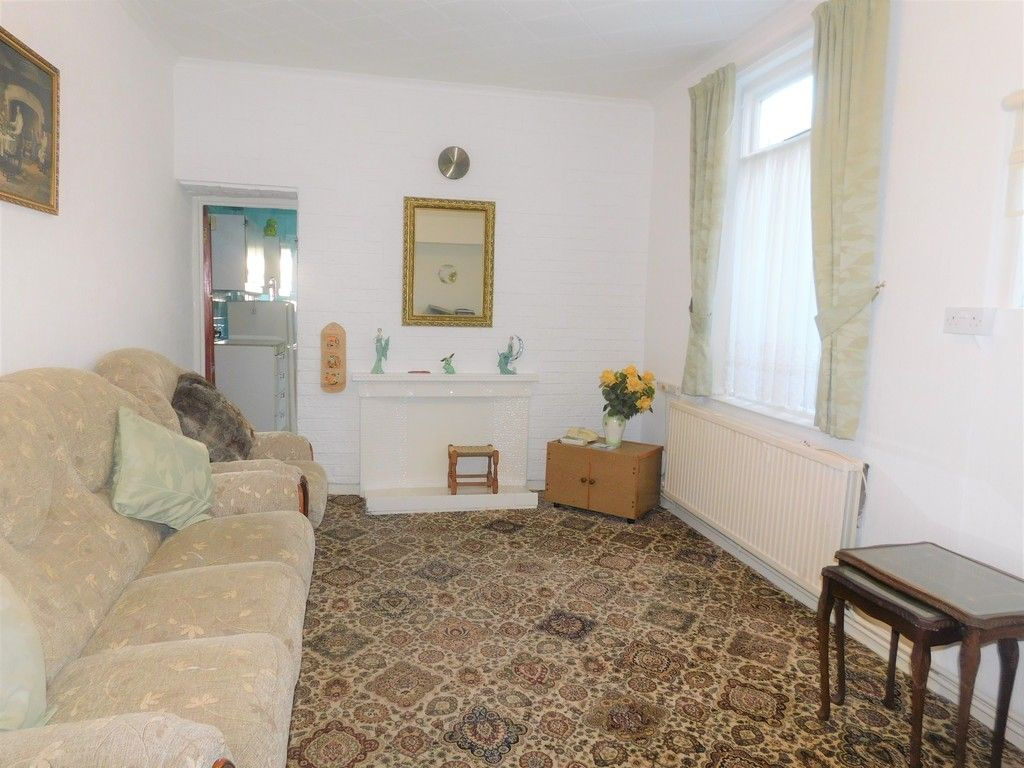 5 bed house for sale in Gnoll Park Road, Neath  - Property Image 3