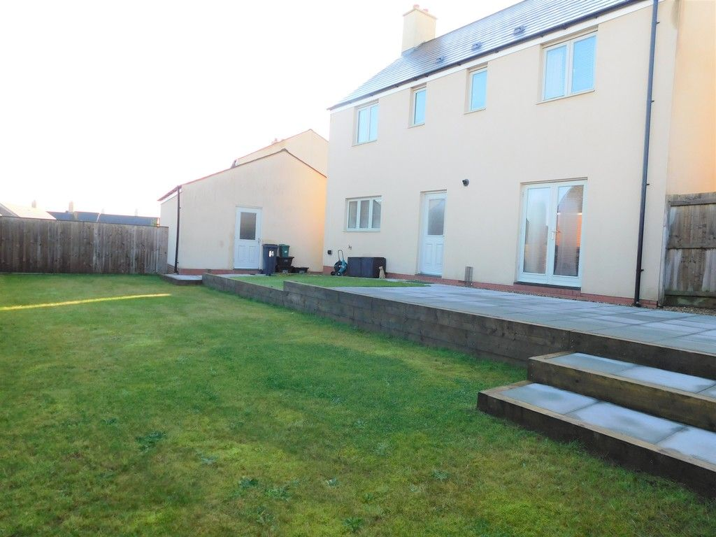 4 bed house for sale in Pen Y Graig, Llandarcy, Neath  - Property Image 19