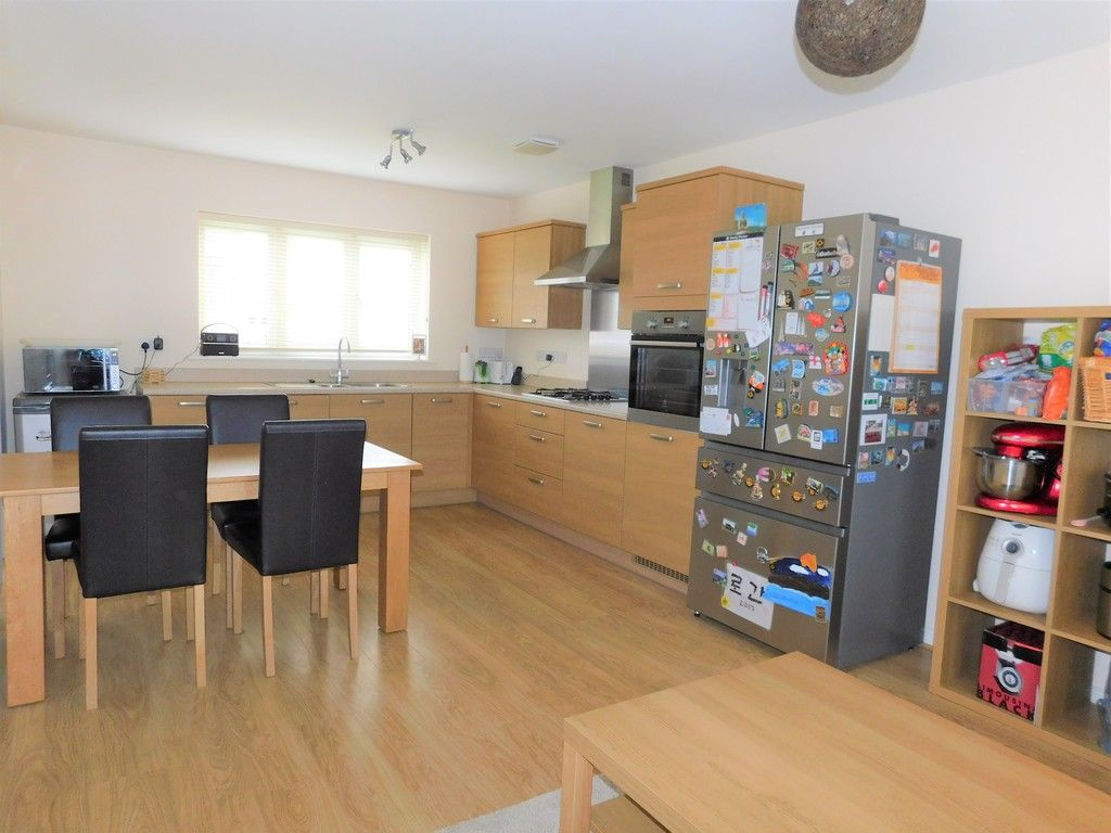 4 bed house for sale in Pen Y Graig, Llandarcy, Neath 4