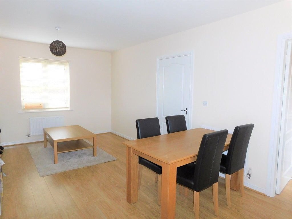 4 bed house for sale in Pen Y Graig, Llandarcy, Neath 6