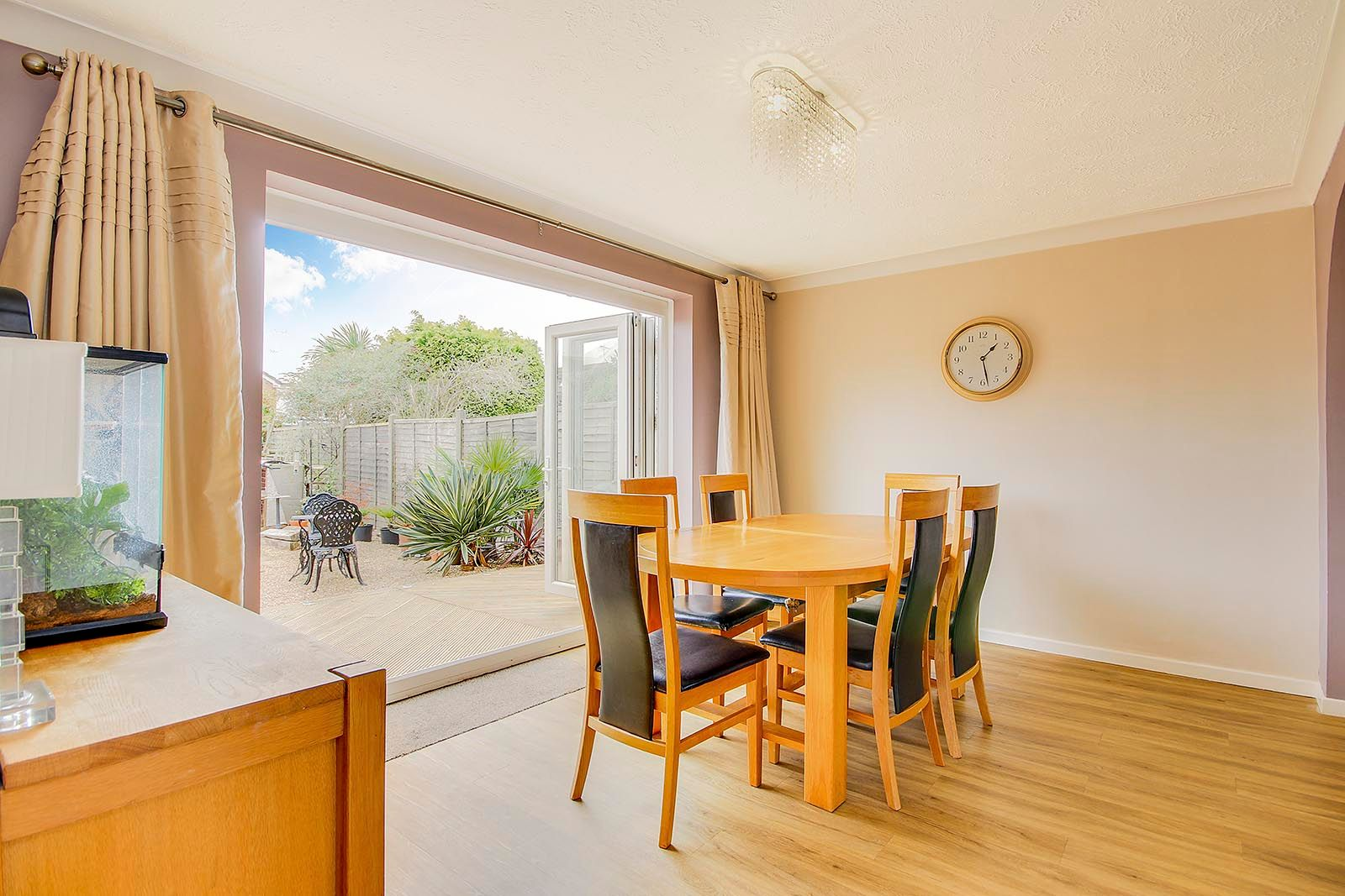 3 bed house for sale in Woodlands Close (COMP AUG 19) 14