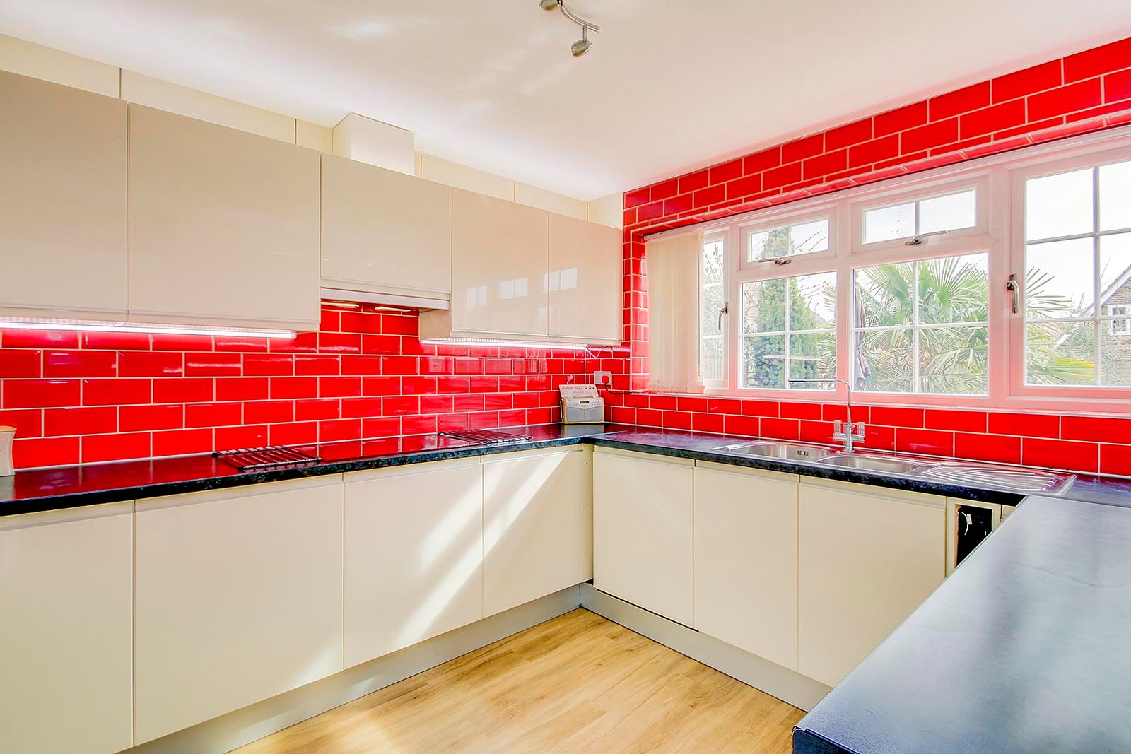 3 bed house for sale in Woodlands Close (COMP AUG 19) 5