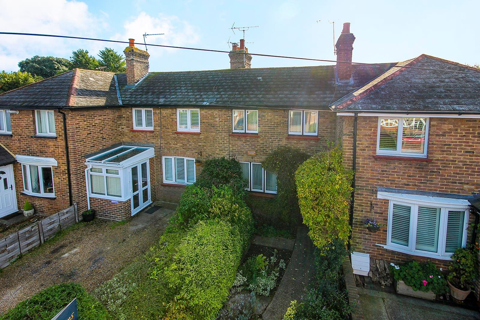 3 bed house for sale in High Street 1