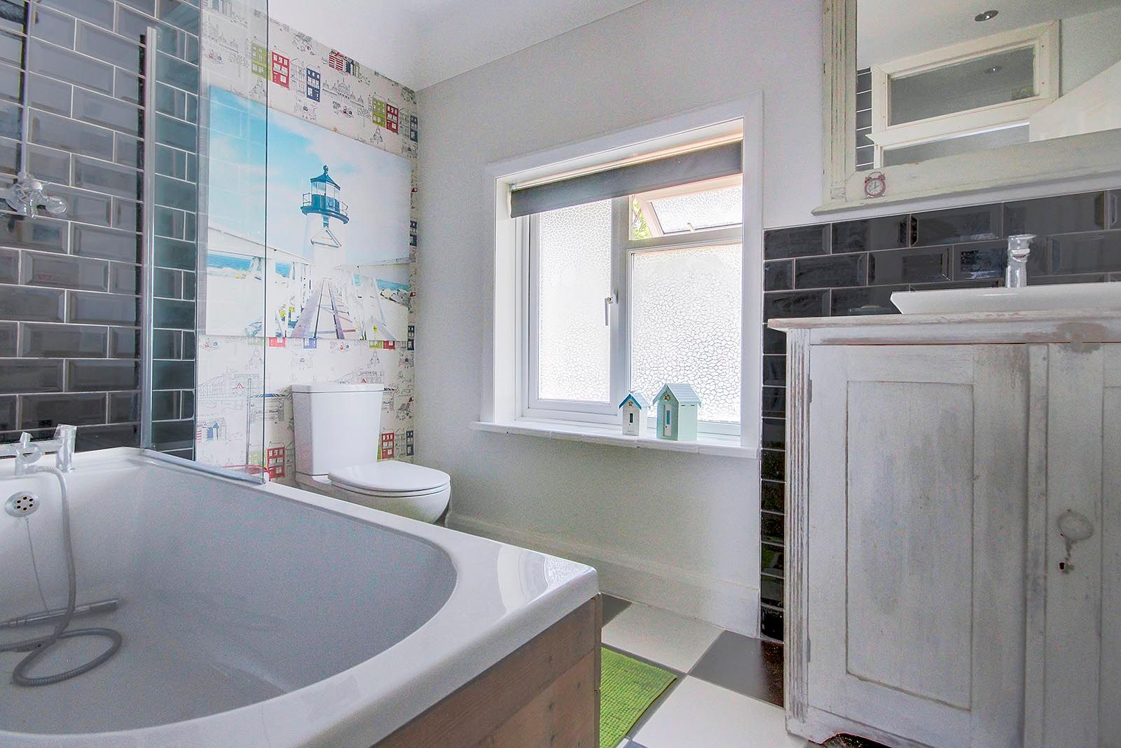 3 bed house for sale in Clapham Common 6