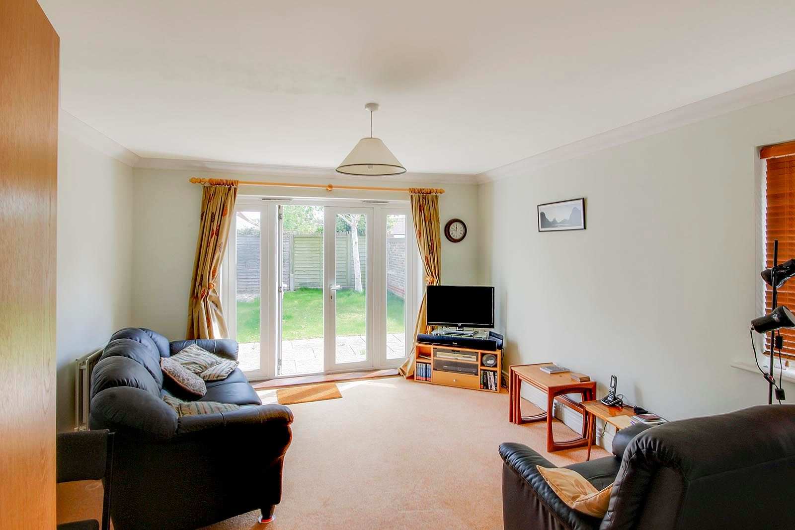 2 bed house for sale in Oakwood Drive 2
