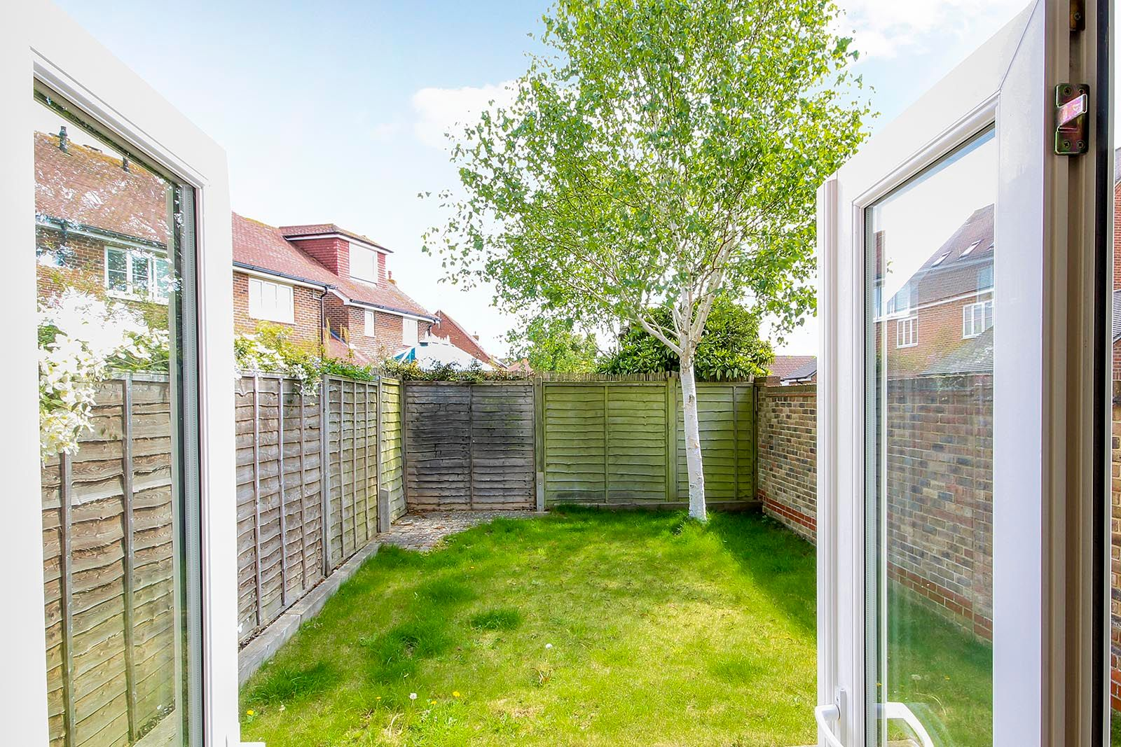 2 bed house for sale in Oakwood Drive 4