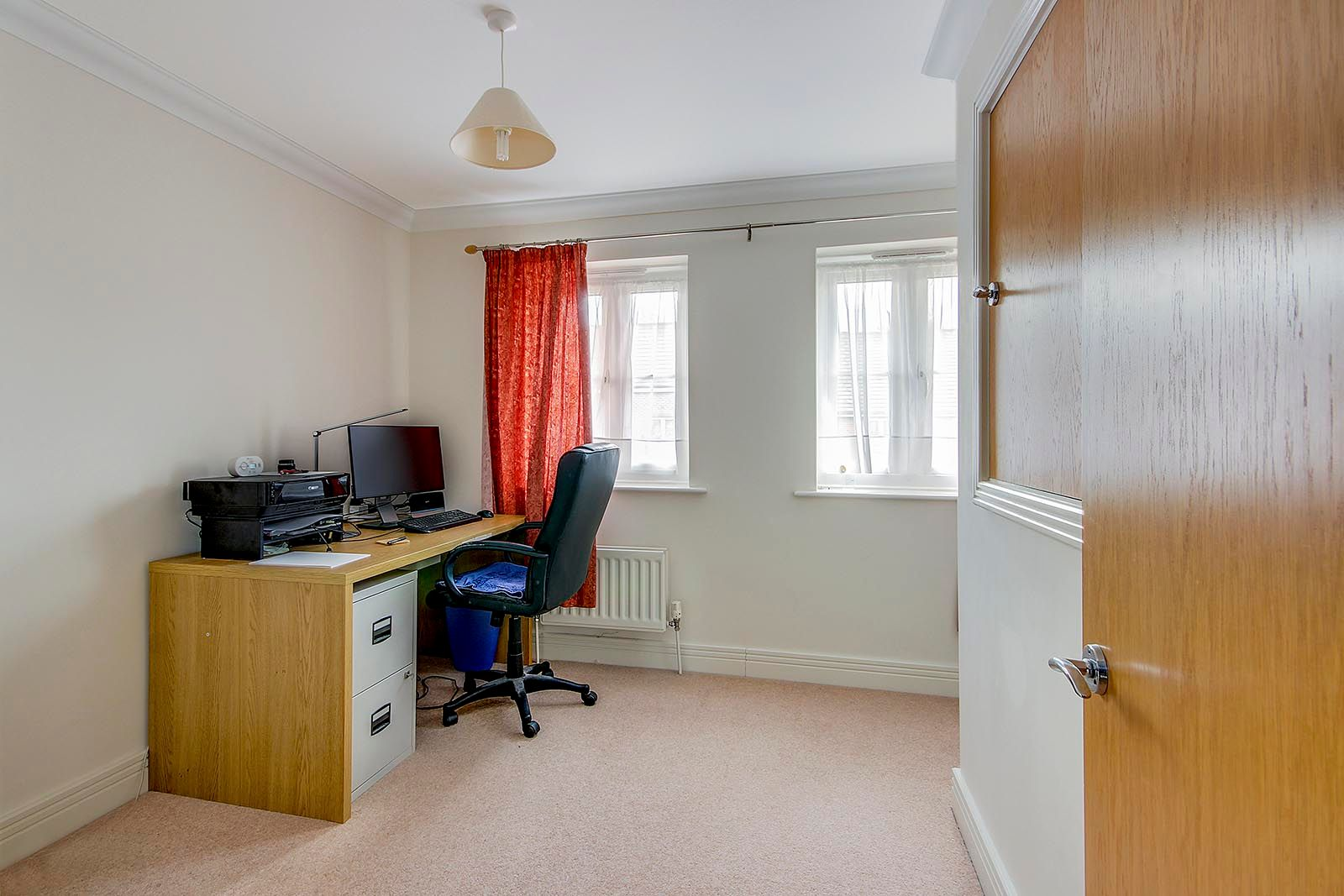 2 bed house for sale in Oakwood Drive 9
