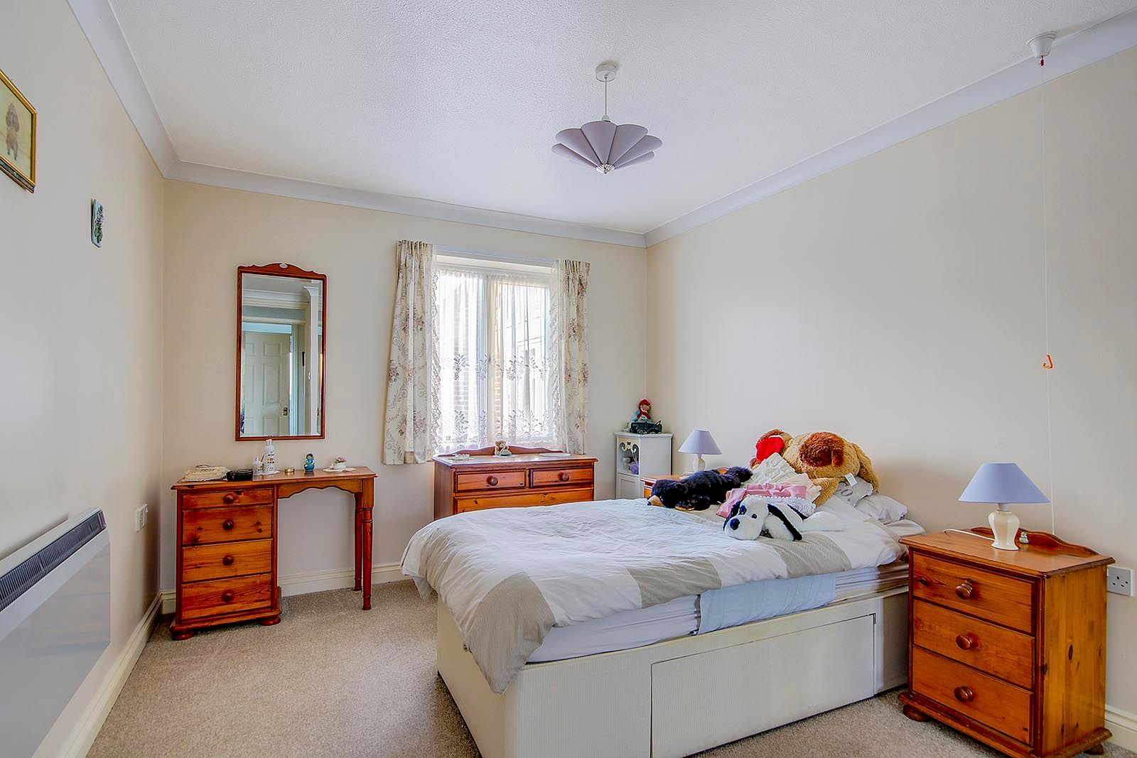 1 bed  for sale in Arundel Road  - Property Image 5