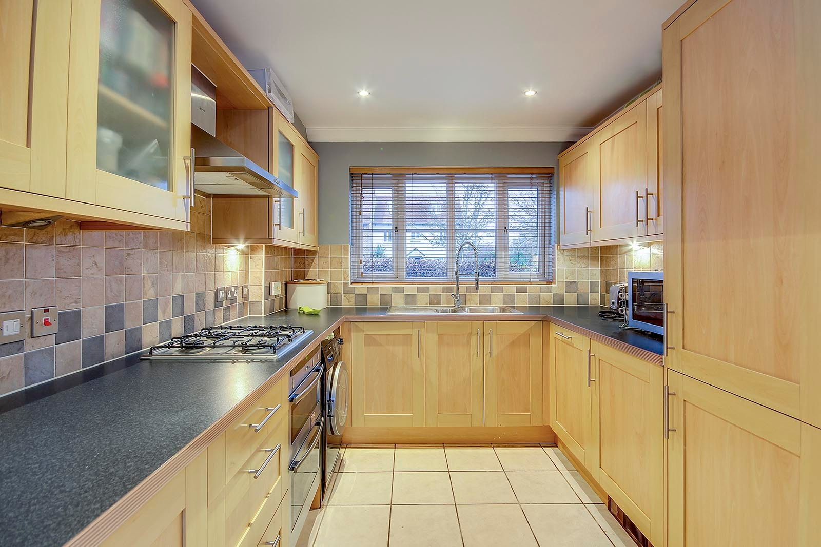 4 bed house for sale in Lucksfield Way  - Property Image 2