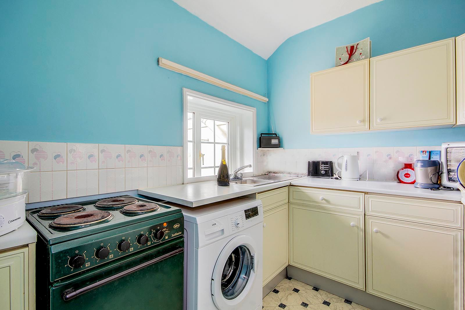 1 bed  for sale in Arundel Road  - Property Image 4