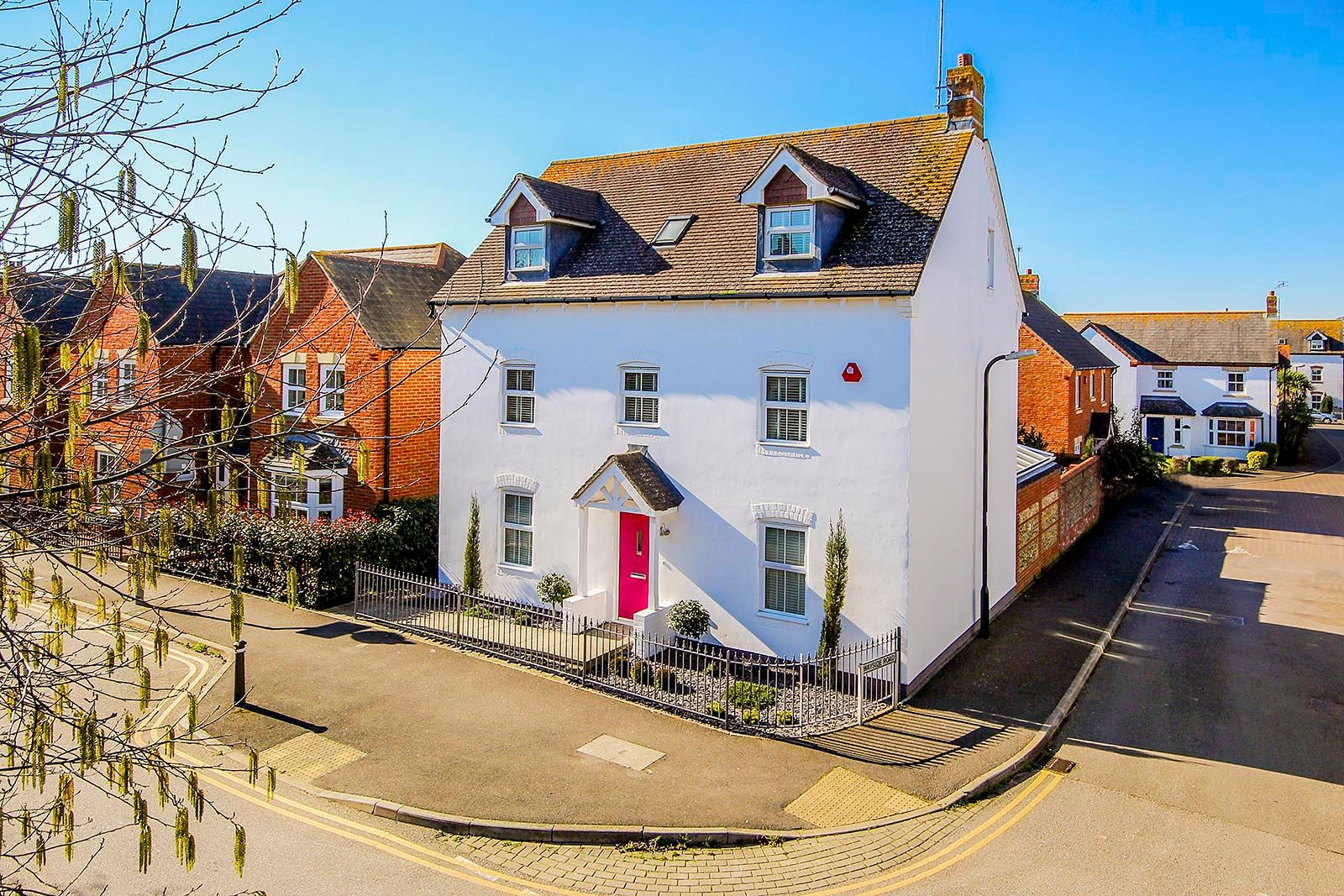 5 bed house for sale in Rowan Way  - Property Image 1