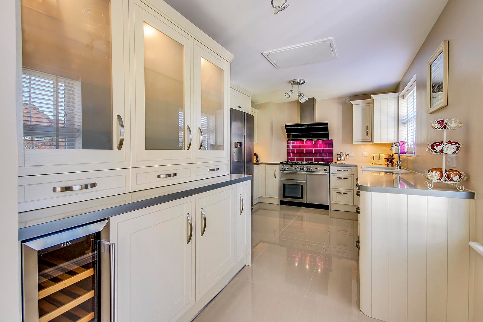 5 bed house for sale in Rowan Way  - Property Image 2