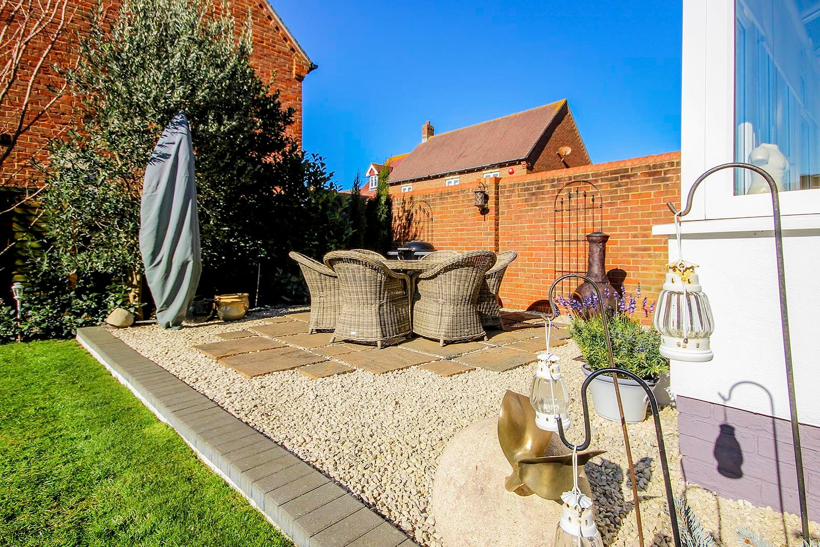 5 bed house for sale in Rowan Way 7