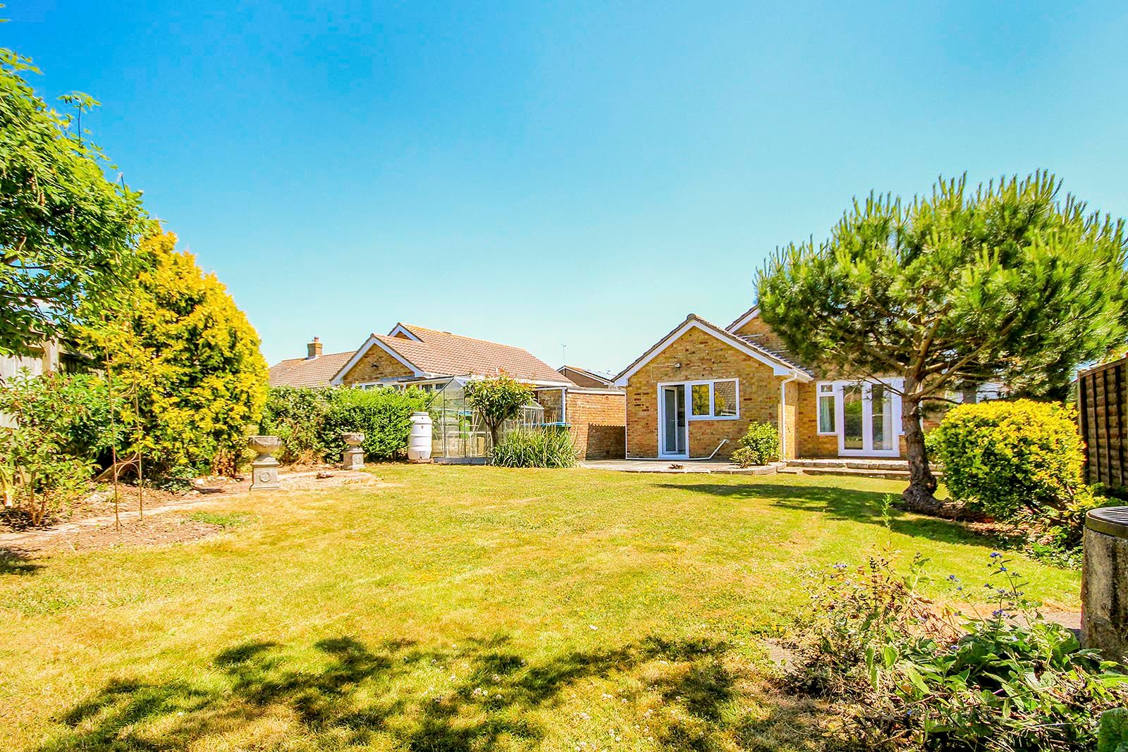 3 bed bungalow for sale in Greenacres Ring COMP SEPT 19  - Property Image 2