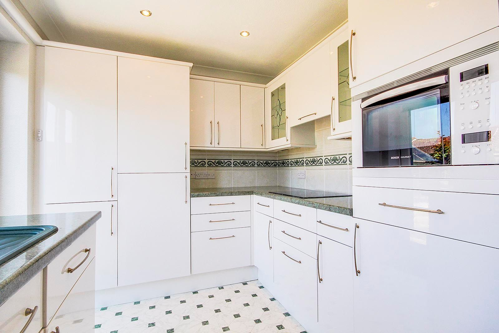 3 bed bungalow for sale in Greenacres Ring COMP SEPT 19  - Property Image 16