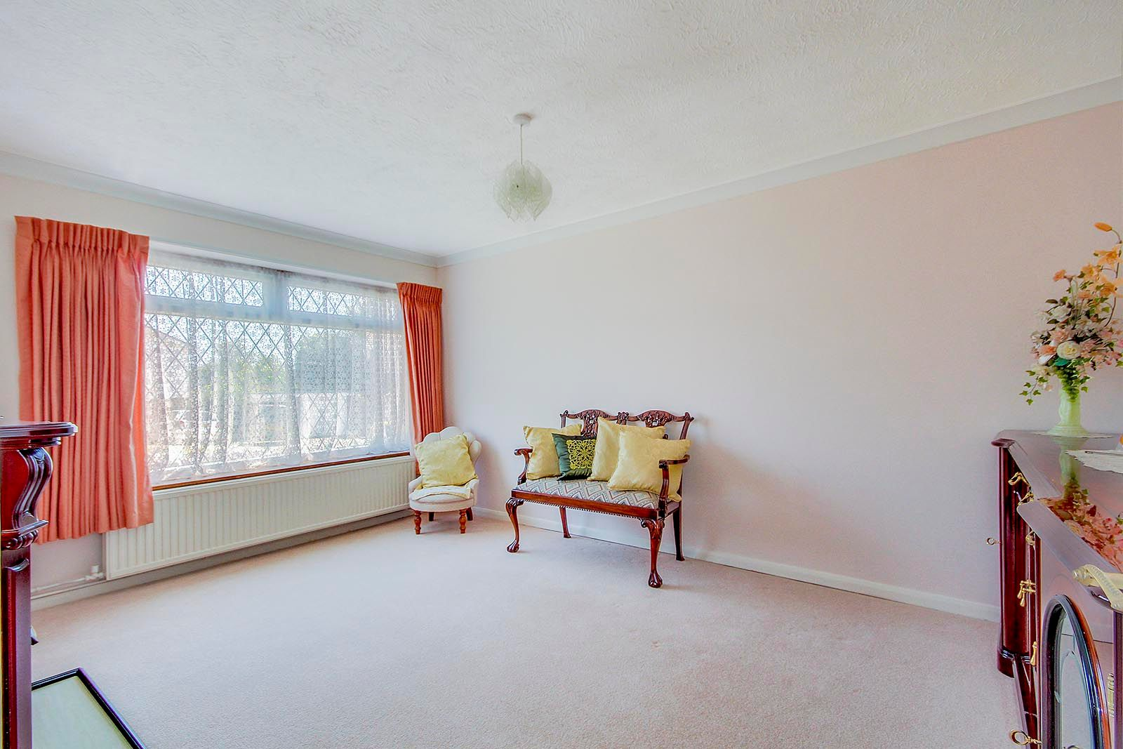 3 bed bungalow for sale in Greenacres Ring COMP SEPT 19 3