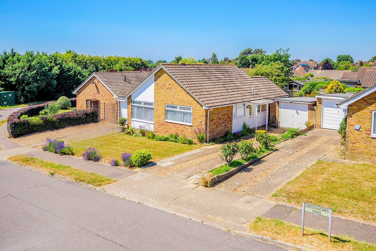 3 bed bungalow for sale in Greenacres Ring COMP SEPT 19  - Property Image 10
