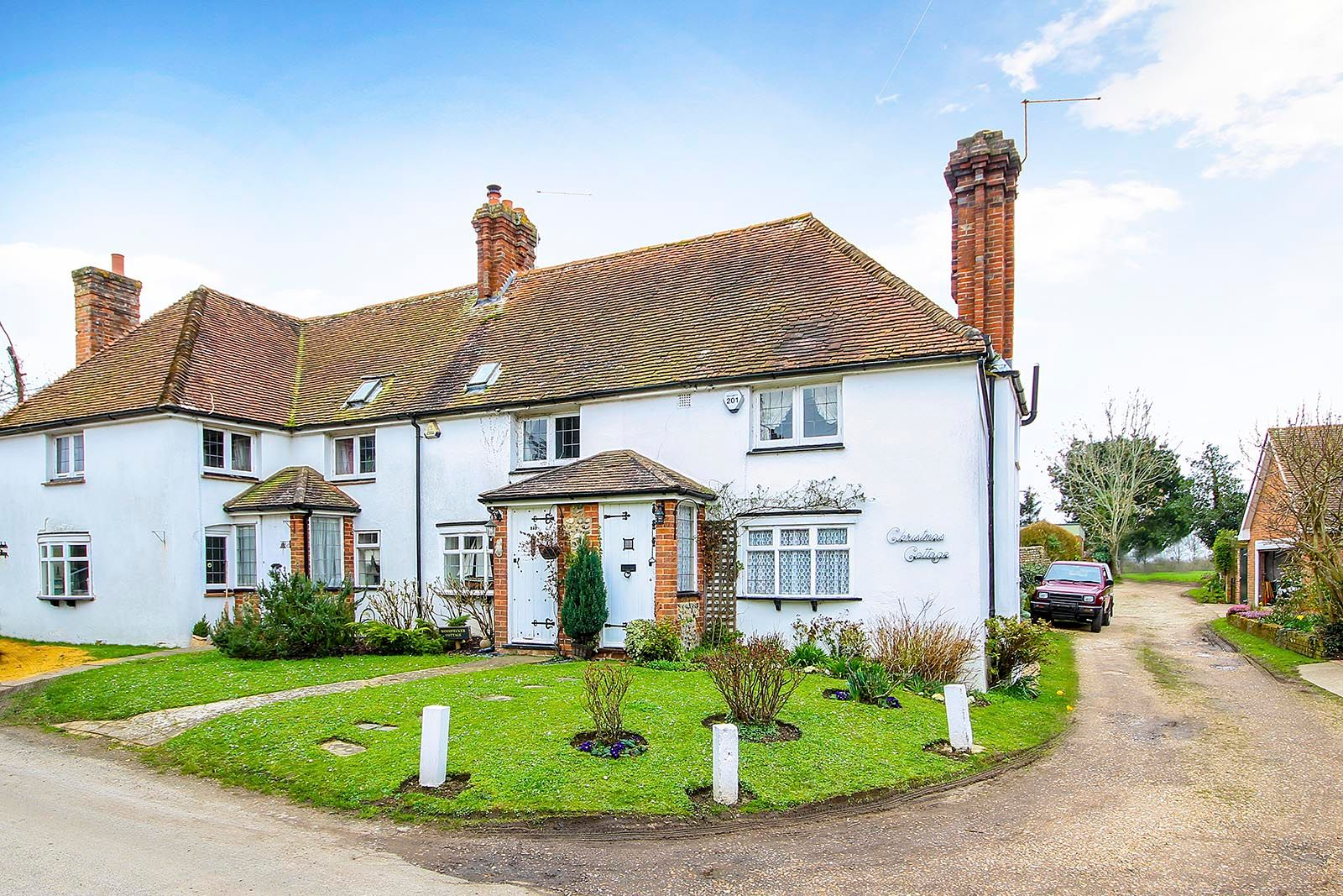 2 bed House for sale in Arundel - Property Image 1