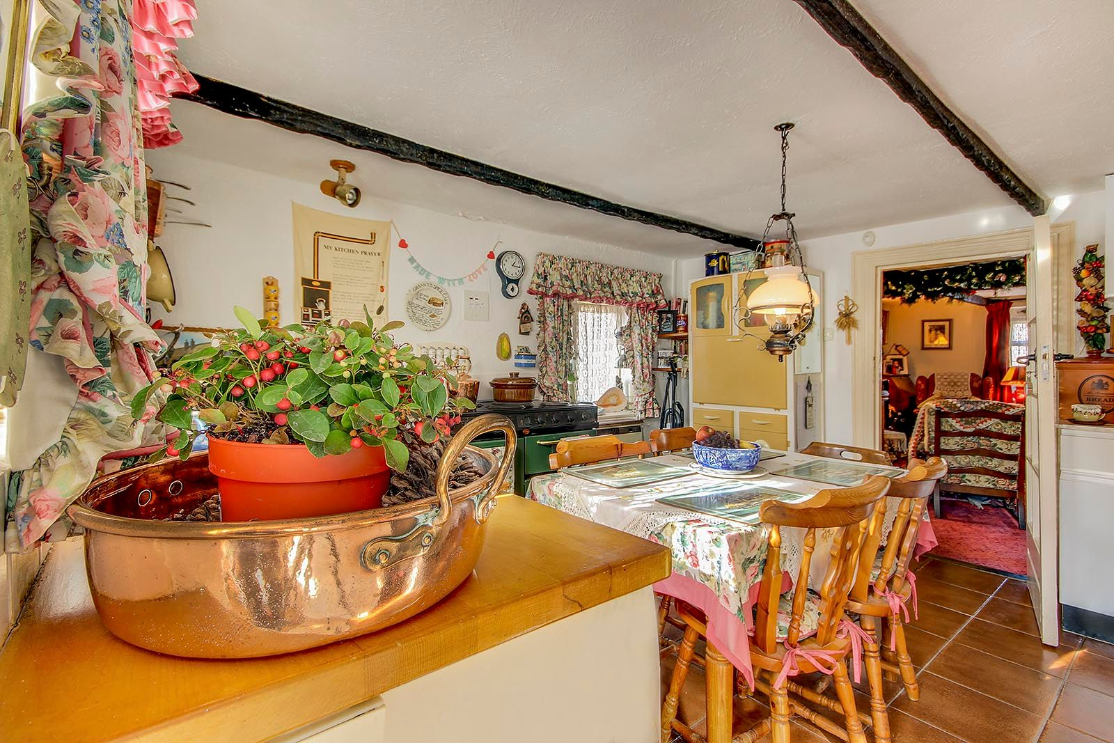 2 bed House for sale in Arundel - Kitchen/Dining Room (Property Image 3)
