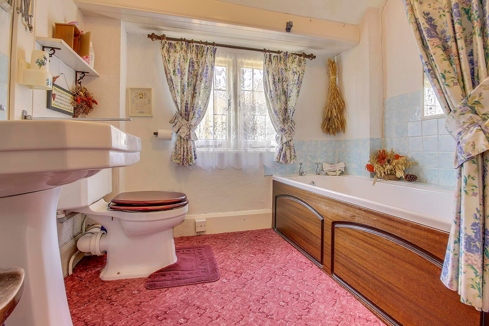 2 bed House for sale in Arundel - Bathroom (Property Image 5)