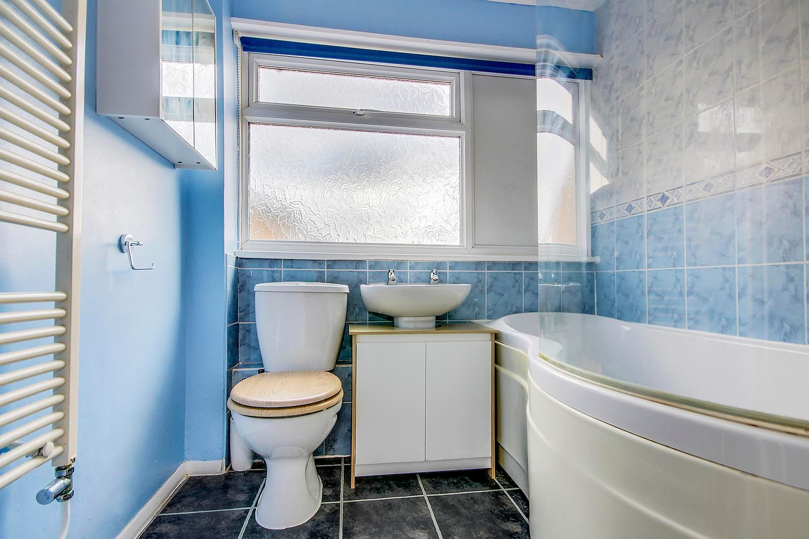 3 bed house for sale in Meadowside 6