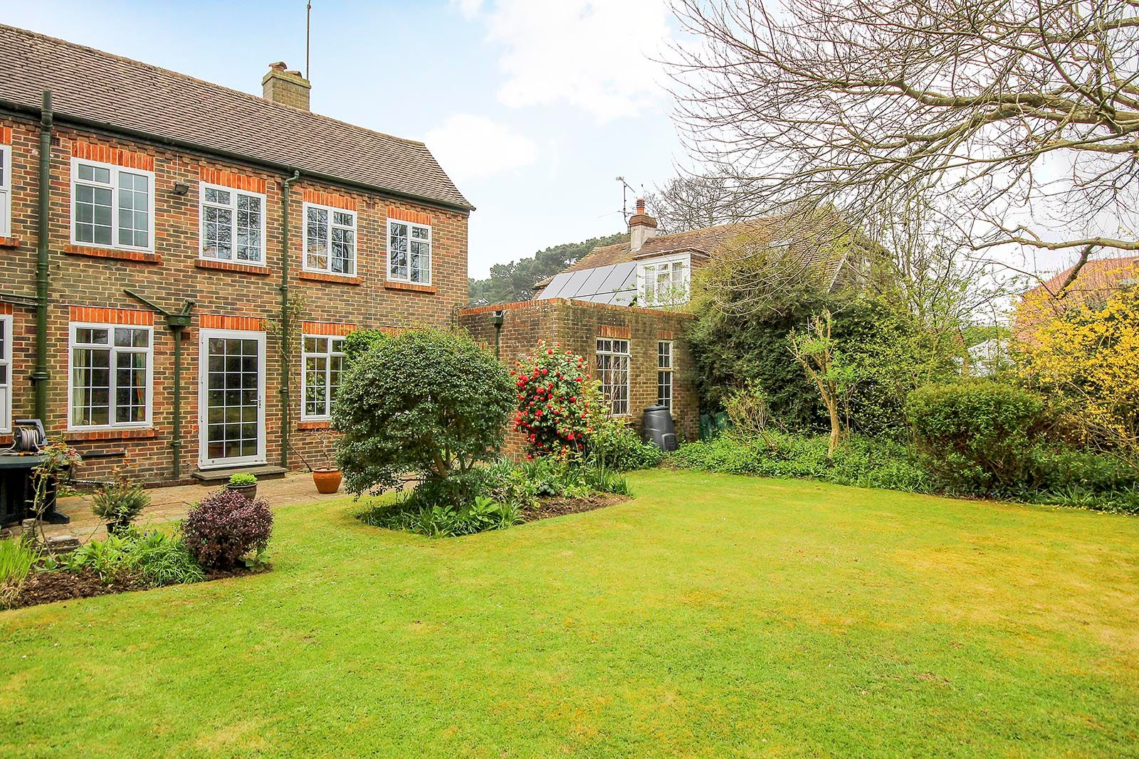 4 bed house for sale in Mill Road (COMP AUG 19) 24