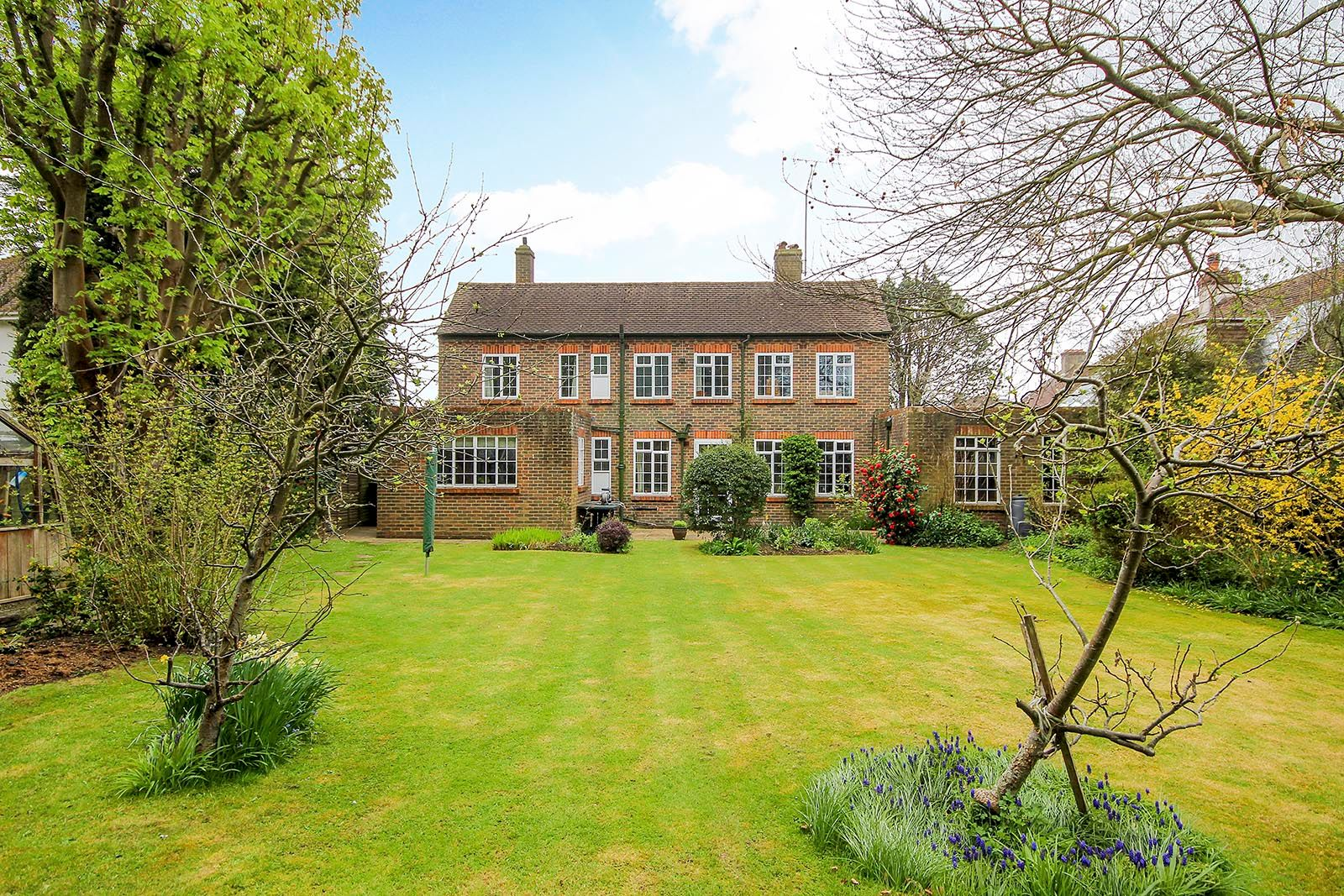 4 bed house for sale in Mill Road (COMP AUG 19)  - Property Image 8