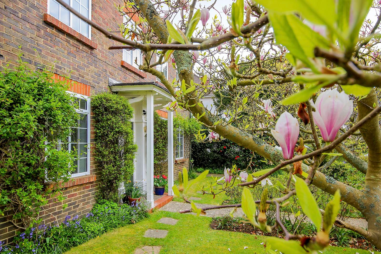 4 bed house for sale in Mill Road (COMP AUG 19)  - Property Image 9