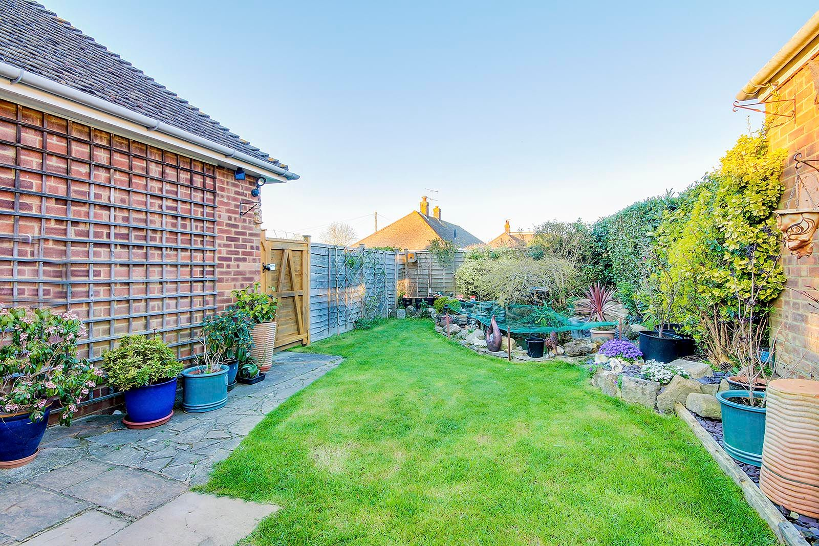 2 bed bungalow for sale in Halliford Drive (COMP AUG 19) 3