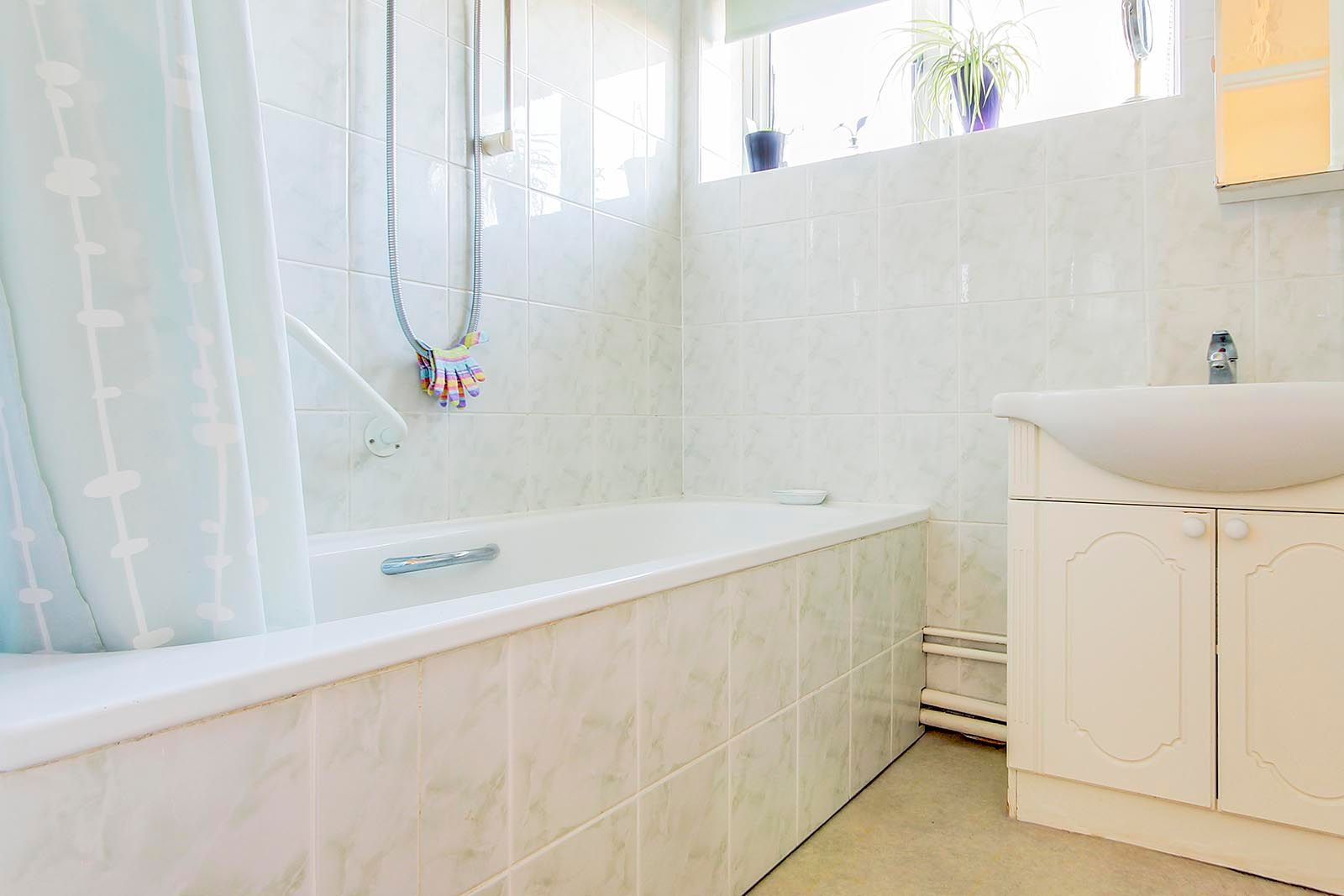 2 bed bungalow for sale in Halliford Drive (COMP AUG 19) 8